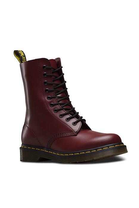 1490 10 Eye Boot Black / Cherry