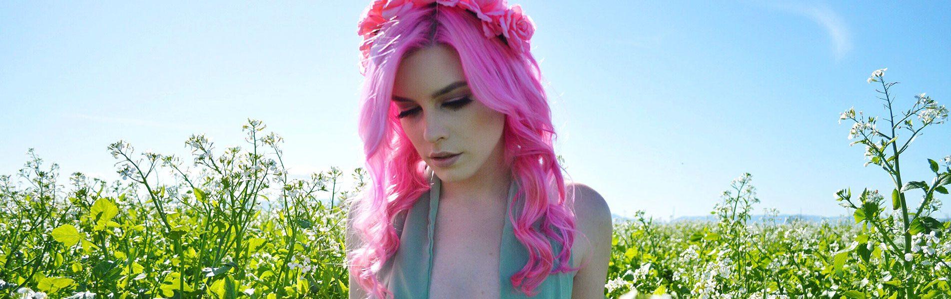 mp banner pink hair