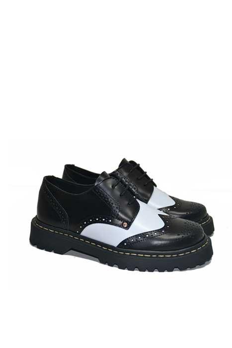 Maya Brouge Leather Shoe