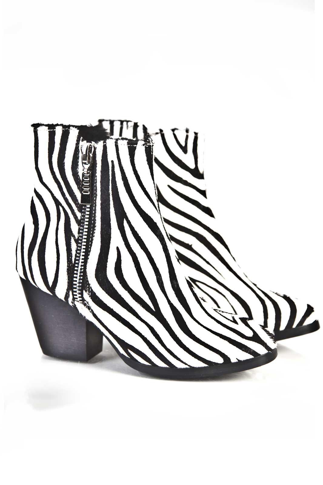 Zebra Fur Boot