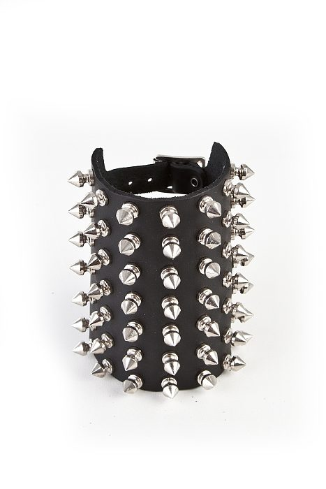 7-Row Spike Wristband Black