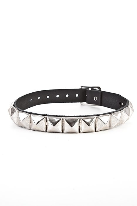 1-Row Pyramid-Leather Choker Black