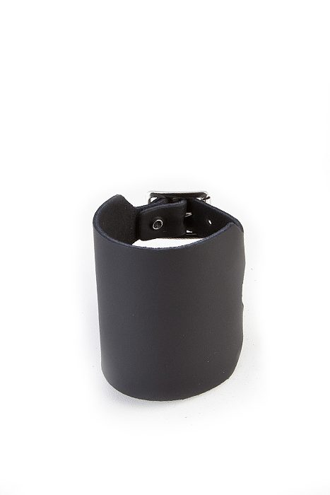 4-Row Plain Leather Wristband Black