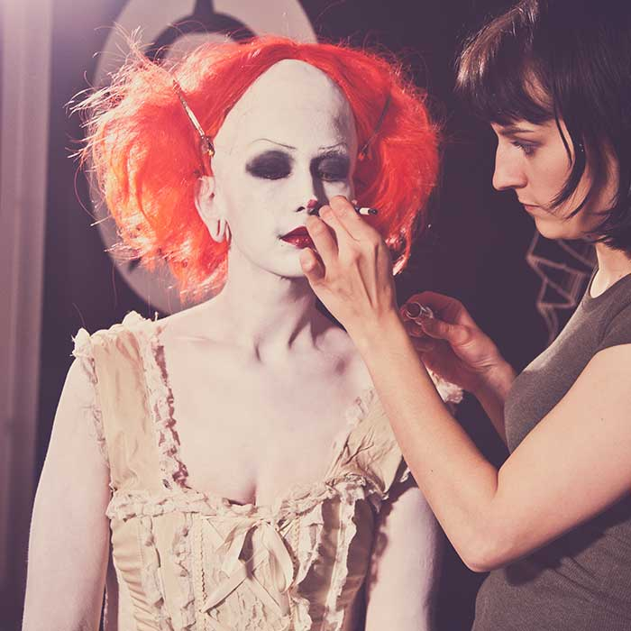 Burlesk IT Clown Behind the Scenes