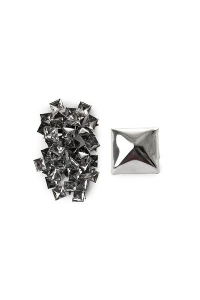 100-Pack Silver Pyramid Studs Large Oldstyle