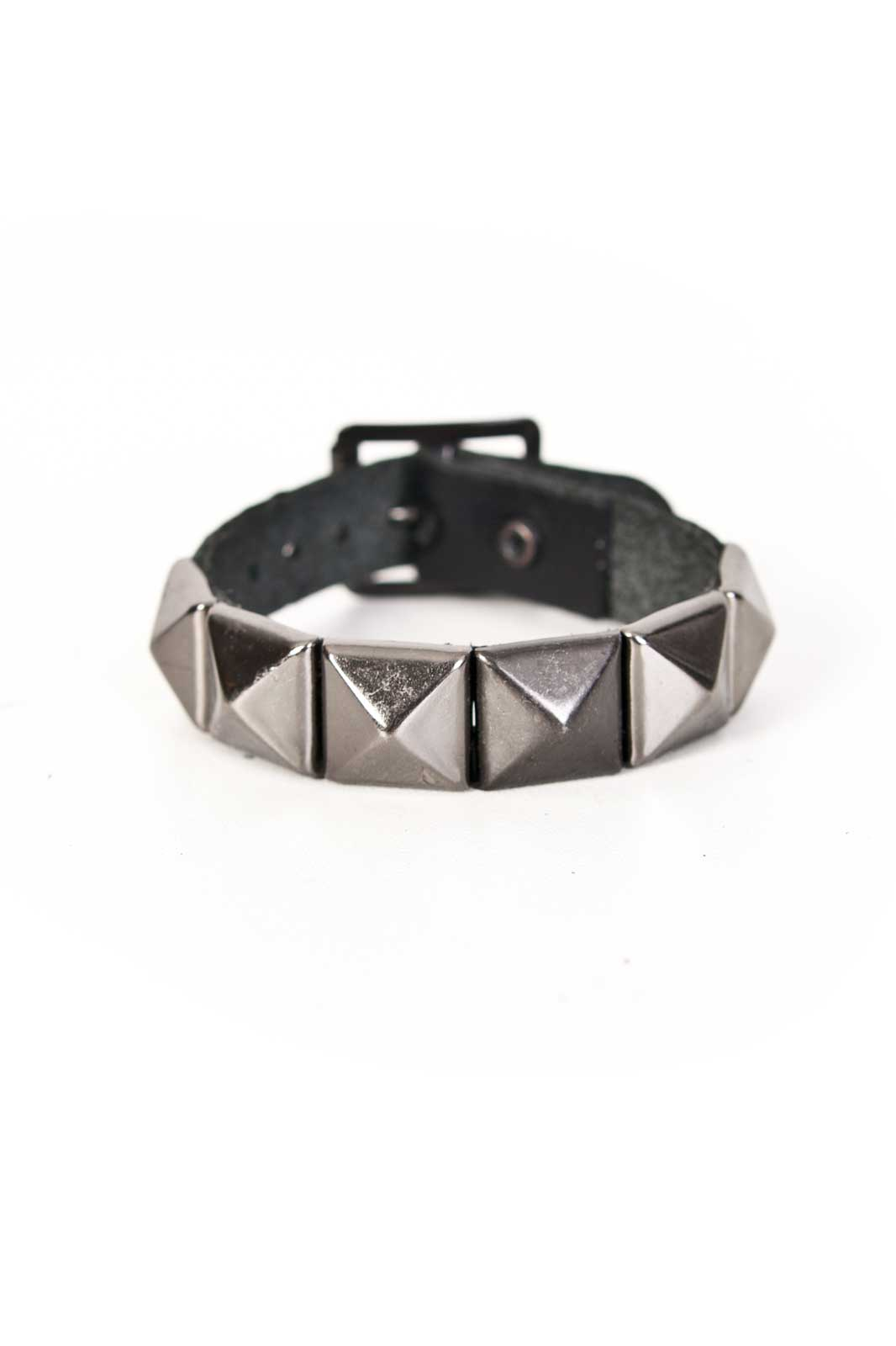 1 Row Black Pyramid Leather Wristband