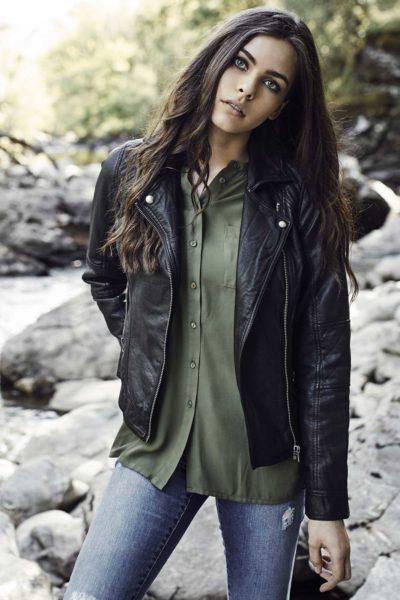 Vegan Leather Biker Jacket Black modellbild