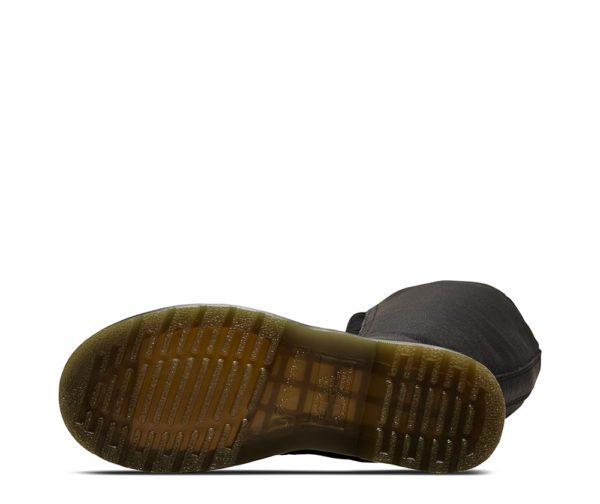 1b60 20 eye boot Black