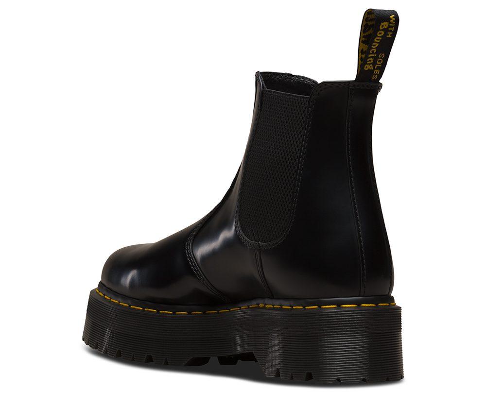 2976 Quad Black Chelsea boot med platå från Dr. Martens
