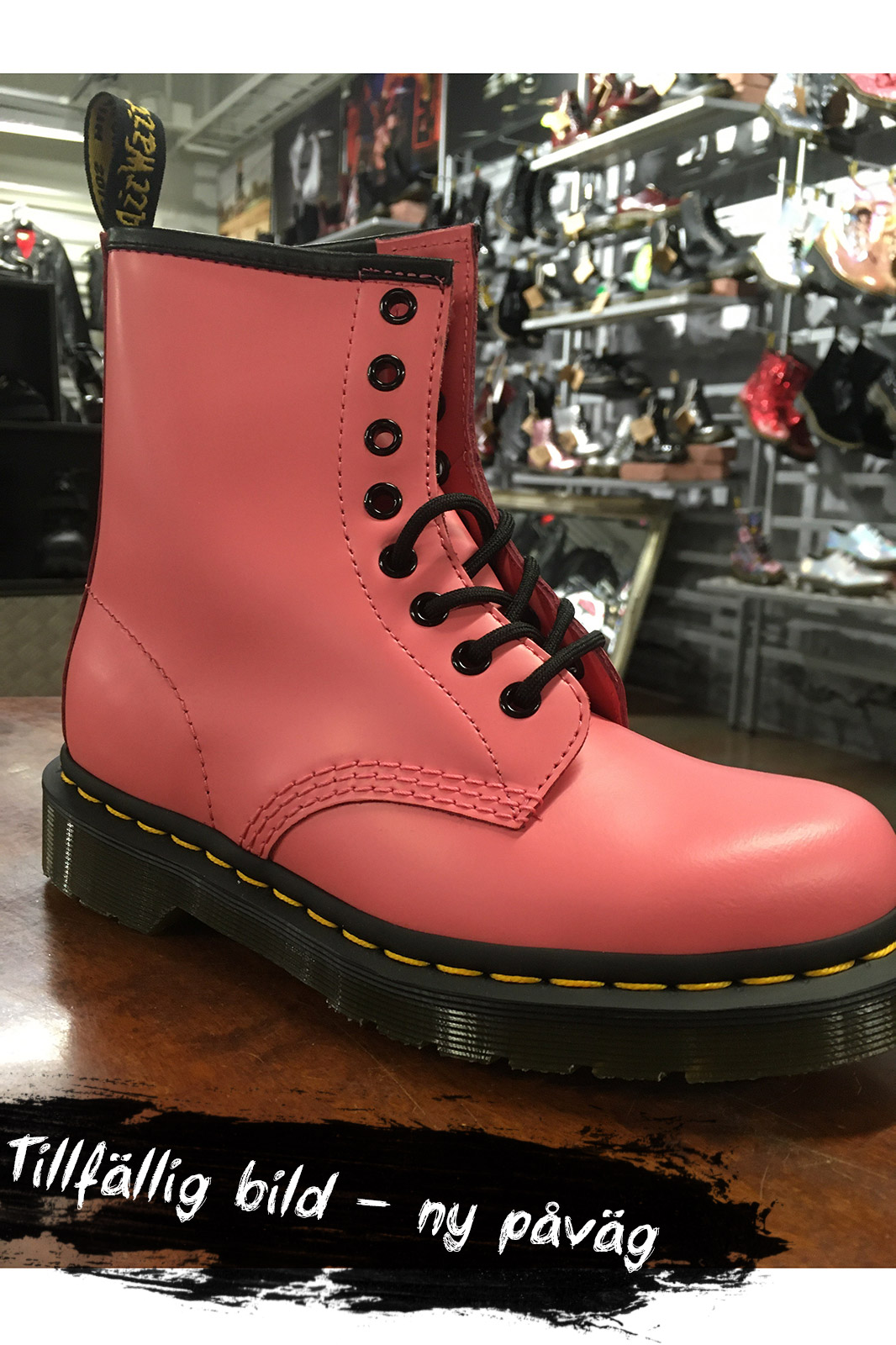 1460 8 eye Boot Acid Pink