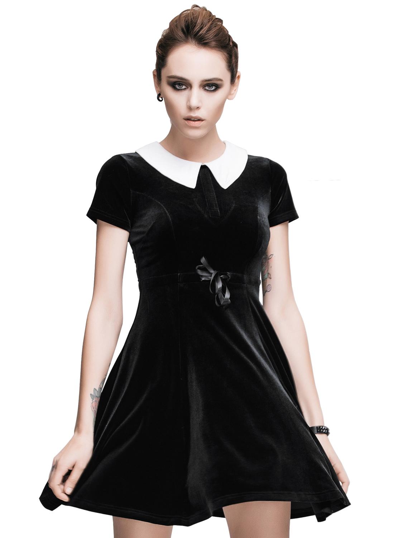 Wednsday, Klänningfrån Restless 'N' Wild. En fantastiskt vacker klänning tillverkad i stretchig sammet med vit krage och dragkedja i ryggen. Sidenband i midjan för bättre passform.