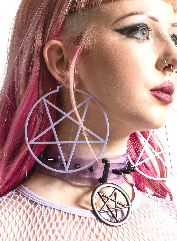 Killstar lila pentagram örhängen